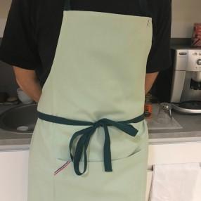 tablier vert amande uni  fabriqué et tissé en France pur coton